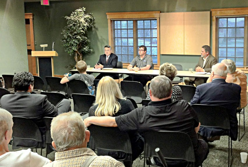 City Council Districts 4 and 5 Forum 2015-03-31 19.46.51