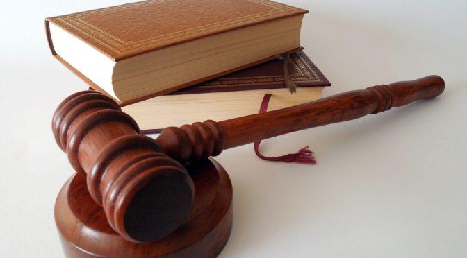 Law book judge gavel legal court hammer-719066_1280