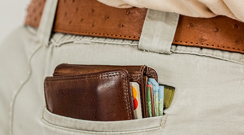 wallet-credit-card-money-currency-wallet-1013789_1280